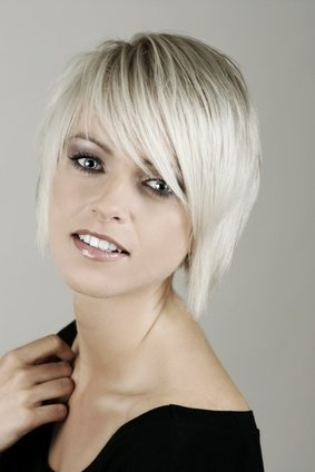 Cheveux blanc meche ou couleur