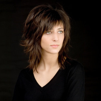Coupe de cheveux femme mi long destructure
