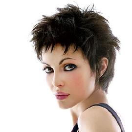 Qu elle coupe pour un visage rond hairbox - Modele de coupe courte pour visage rond ...